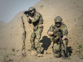 war-desert-guns-gunshow-163523
